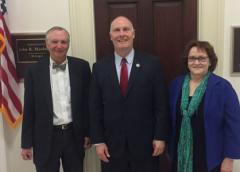 Photo of Dr. Carter, Representative Moolenaar and AADA President Olbricht